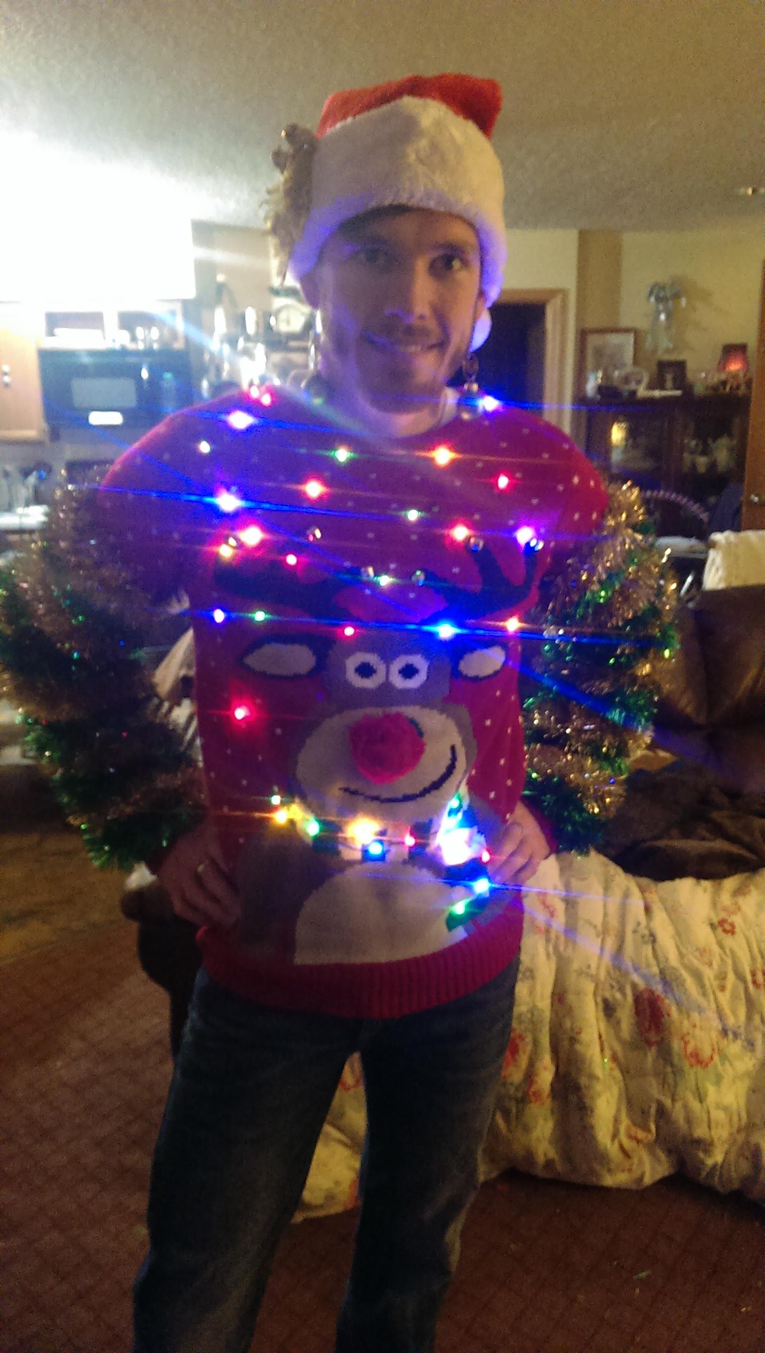 Kersttrui Met Lichtjes Heren.Inspiratie Nodig Check Deze 12 Erg Bijzondere Kersttruien Snowchamps
