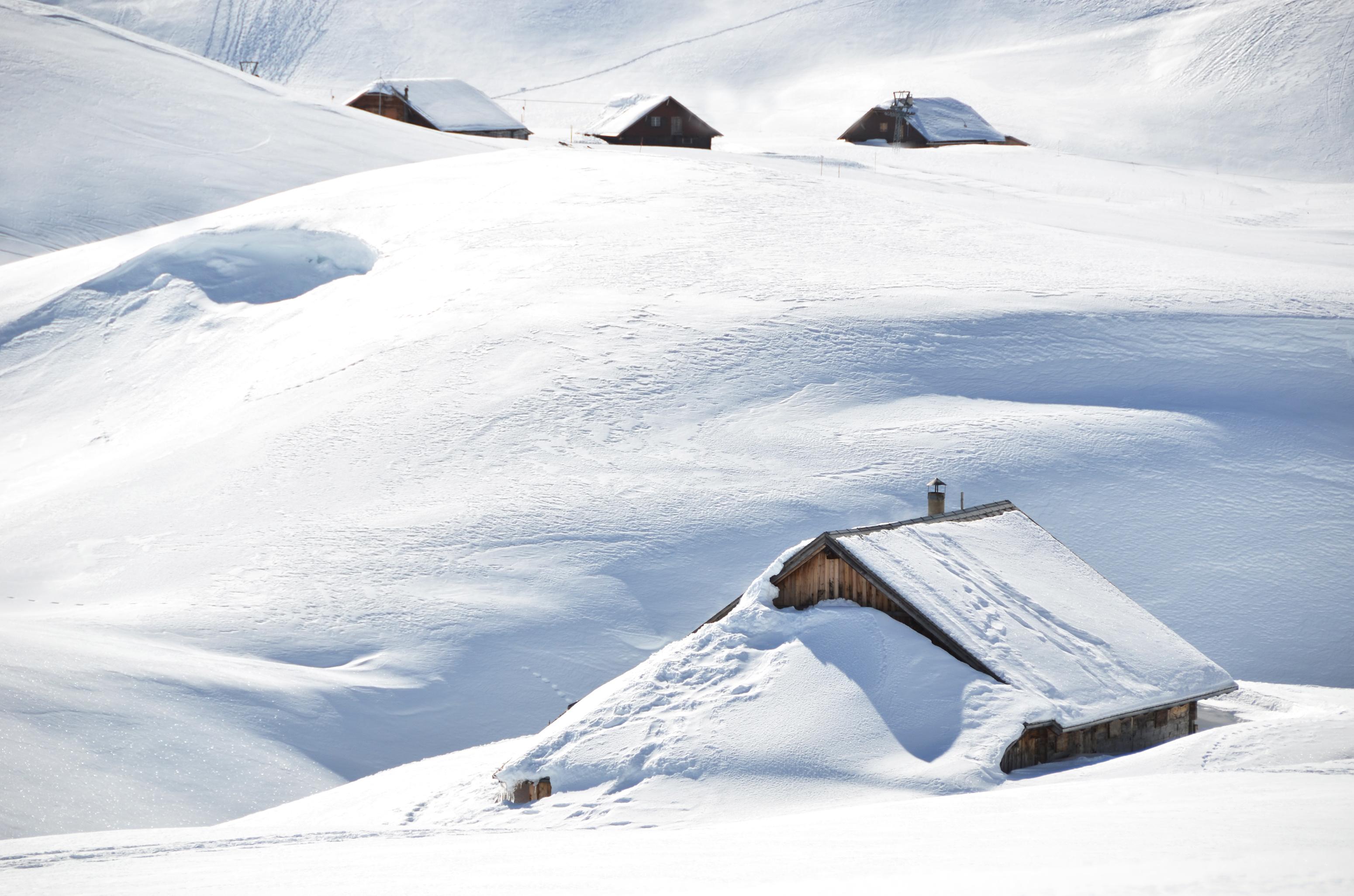 Granaat Gevonden In De Sneeuw Van Dachstein Snowchamps